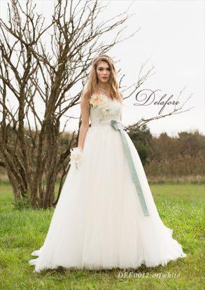 Delaforeホワイトドレス