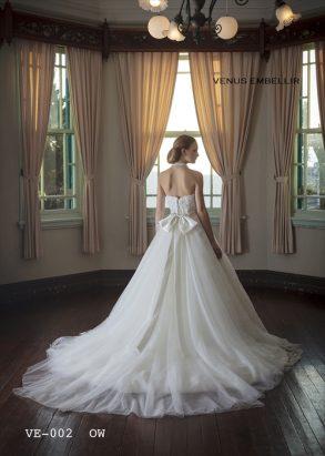 ウェディングドレス VENUS EMBELLIRオフホワイト