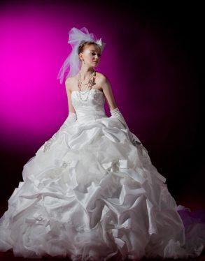 ウェディングドレス 白